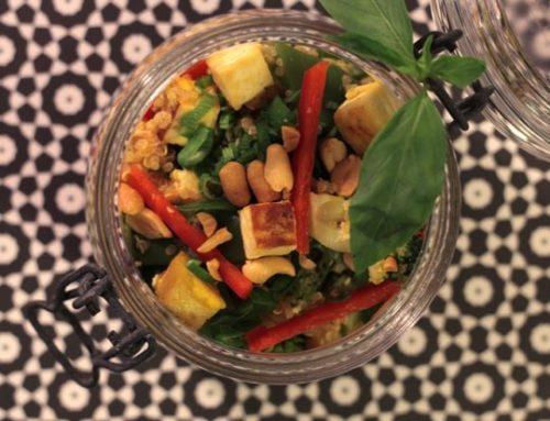 Fried Quinoa mit Gemüse und Tofu